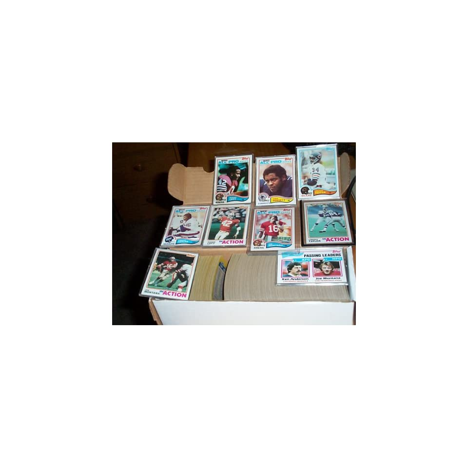 1982 Topps Football complete set w/ Lawrence Taylor rookie, Ronnie Lott RC, Anthony Munoz RC, football trading card set