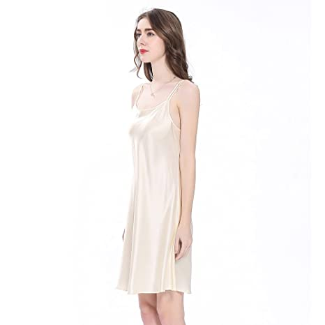 854868a593c3 LilySilk Silk Nightgowns for Women s 22 Momme 100% Mulberry Charmeuse Mini  Scoop Neck at Amazon Women s Clothing store