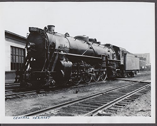 Central Vermont RR 4-8-2 Steam Locomotive #600 photograph 1940s
