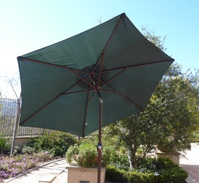 Formosa Covers 7.5 Foot Aluminum Market Umbrella, Crank & Tilt, Strong Fiberglass Ribs, UV Treated, Perfect for Patio, Small Bistro, Deck - Color in Hunter Green - Hunter Green 7.5ft market umbrella with strong and flexible fiber glass ribs and vents for airflow Aluminum frame with Powder coated Bronze finish prevents rust and is lightweight and easy to move Instantly direct shade with easy crank and tilt mechanism - perfect for pool, bistro, deck, patio - shades-parasols, patio-furniture, patio - 51AKkpe1SUL -
