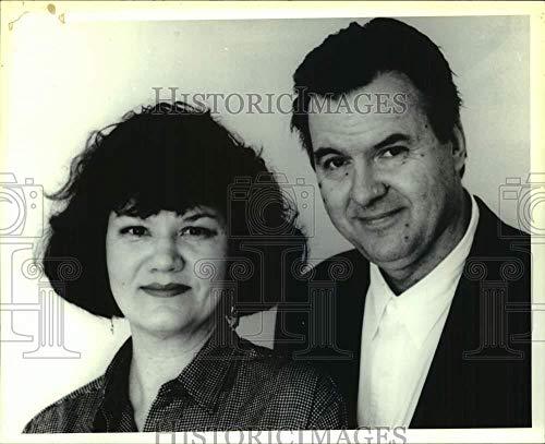 1992 Press Photo Documentary producers Susan and Alan Raymond - tua50094 (Doing Time Life Inside The Big House Documentary)
