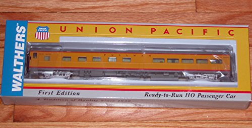 (Union Pacific(R) City Streamliner Cars Ready to Run -- 5 Double-Bedroom Buffet-Lounge P-S PLan #4199 (Armour Yellow, gray))