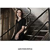 Agents of S.H.I.E.L.D. (TV Series 2013 - ) 8 inch x 10 inch Photo Elizabeth Henstridge/Jemma Simmons Left Hand on Stair Railing Going Down kn