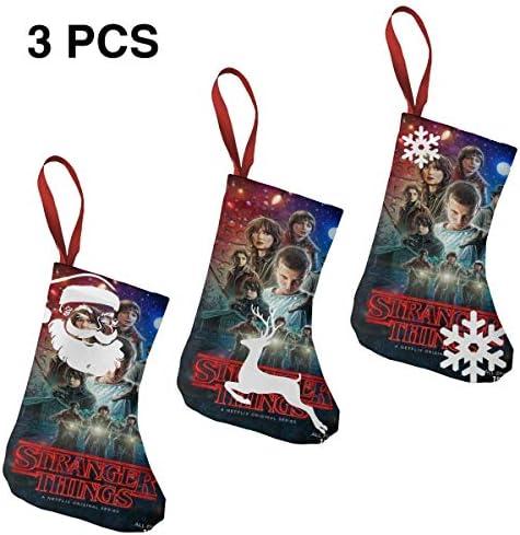 クリスマスの日の靴下 (ソックス3個)クリスマスデコレーションソックス ポスターStranger Things クリスマス、ハロウィン 家庭用、ショッピングモール用、お祝いの雰囲気を加える 人気を高める、販売、プロモーション、年次式