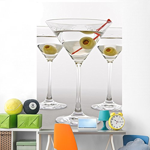 Wallmonkeys Classic Martini Wall Mural Peel and Stick Graphic (72 in H x 48 in W) ()