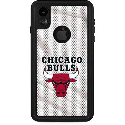 sale retailer f9668 a309f Amazon.com: Skinit Chicago Bulls Away Jersey iPhone XR ...