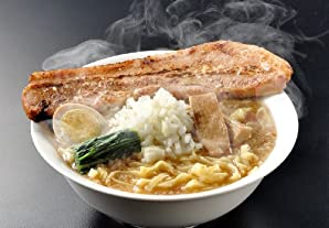 極太麺に背脂たっぷりの醤油スープ【新潟】燕三条系背脂ラーメン