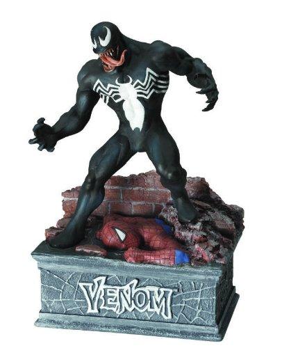 (Venom Deluxe Figural)