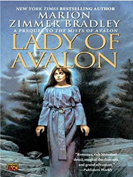 Lady of Avalon by [Bradley, Marion Zimmer]
