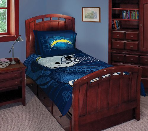 San Diego Chargers Twin/Full Comforter with Two Pillow Shams ()