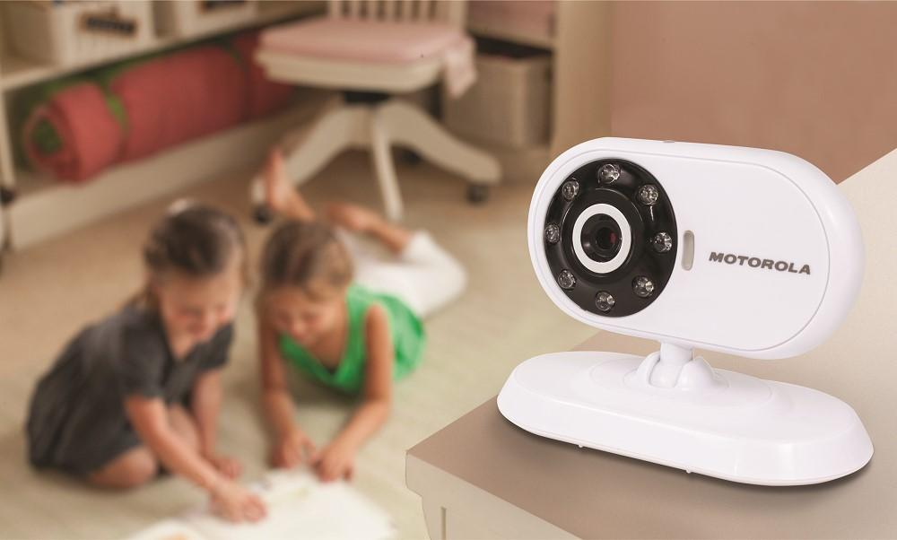 motorola mbp25 2 wireless video baby monitor lcd color screen and two cameras 2 4. Black Bedroom Furniture Sets. Home Design Ideas