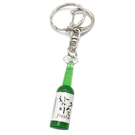 Amazon.com: Llavero en miniatura con botella de sojo coreano ...