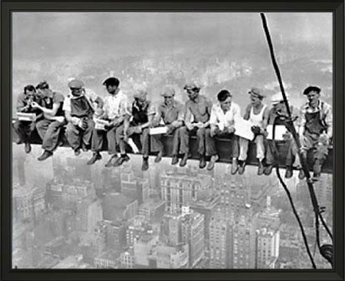 (New York. Lunch atop a Skyscraper. Photograph taken in 1932 by Charles C. Ebbets 16