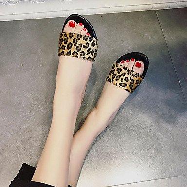 LvYuan Mujer Sandalias PU Primavera Verano Tacón Plano Blanco Negro Rojo Pantalla de color Menos de 2'5 cms ruby