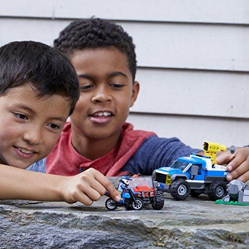 LEGO City Dirt Road Pursuit 60172 Building Kit (297 Pieces) (Discontinued by Manufacturer)