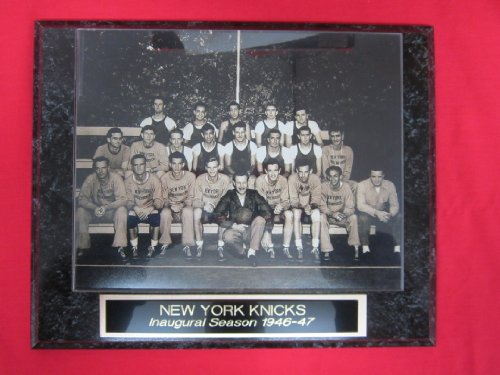 - 1946-47 New York Knicks INAUGURAL SEASON Engraved Collector Plaque w/8x10 TEAM Photo