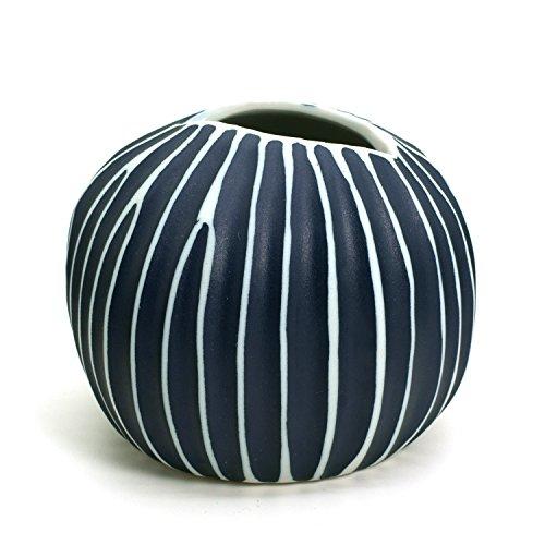 BloomyLife Handmade White Porcelain Ceramic Flower Pots / Planter Pots Pebble@Large: Black With White Lines