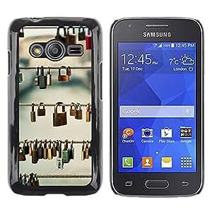 TopCaseStore / la caja del caucho duro de la cubierta de protección de la piel - Metaphor Deep Meaning Prague Love - Samsung Galaxy Ace 4 G313 SM-G313F