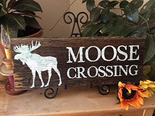 Cabin Sign Rustic Sign Moose Crossing Wildlife Sign Western Home Decor Rustic Home Decor Barnwood Sign Country Decor Forest Decor