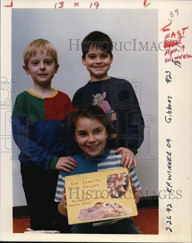 Contest Cookbook (Vintage Photos 1992 Press Photo Students at Welches Grade School Won Cookbook Contest)