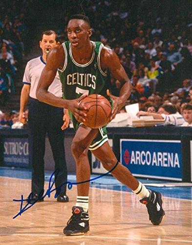 (DEE BROWN signed BOSTON CELTICS 8X10 PHOTO COA - Autographed NBA Photos)