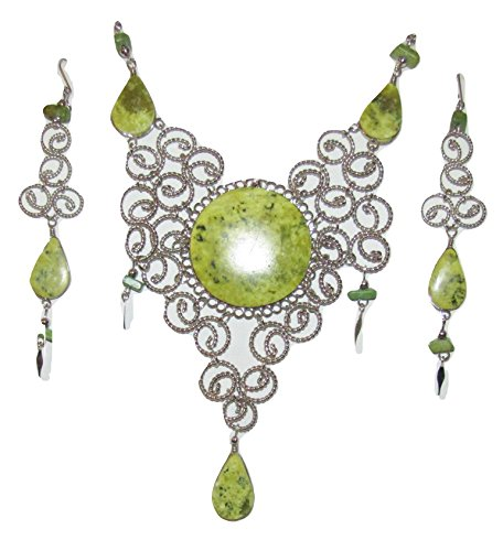 Peru Treasure Exquisite Large Filigree Medallion Necklace and Earrings Set (serpentine) ()