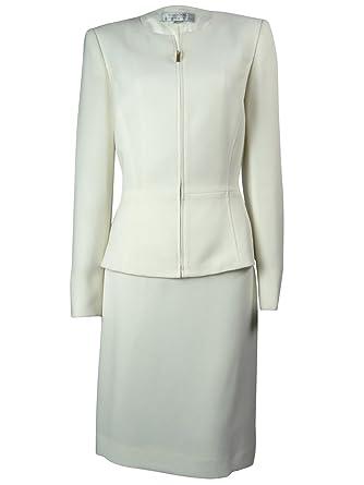 Amazon Com Tahari Women S Crepe Zip Up Collarless Jacket Skirt Suit