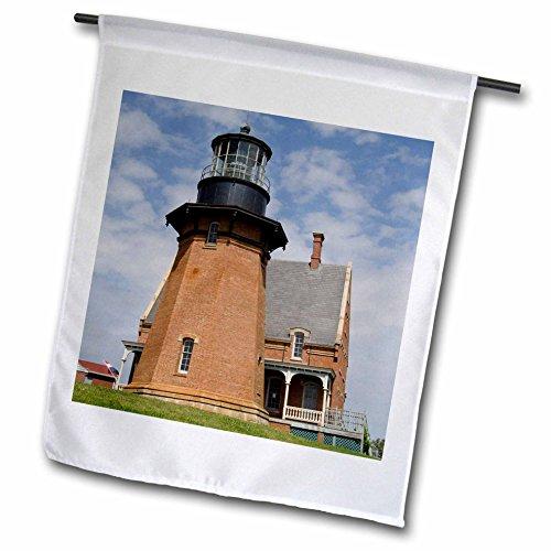 3dRose Rhode Island, Block Island, Mohegan Bluffs, Southeast Lighthouse. - Garden Flag, 12 by 18