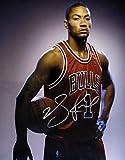 DERRICK ROSE HAND SIGNED Autographed 11x14 Chicago Bulls Photo w/COA