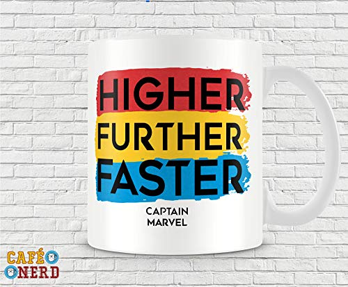 CANECA CAPITÃ MARVEL HIGHER FURTHER FASTER