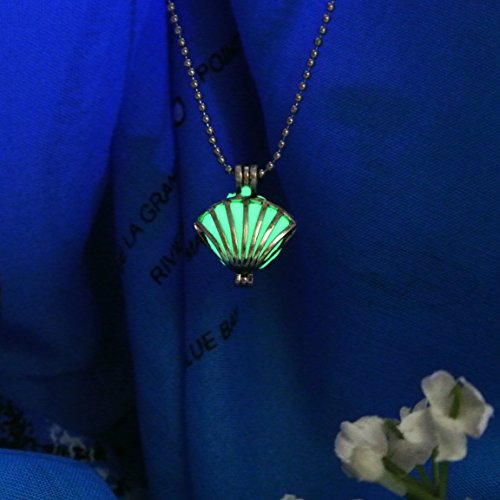 Royal Seashell Glow in the Dark Necklace Jewelry Pendant Steampunk Fairy Magical ()