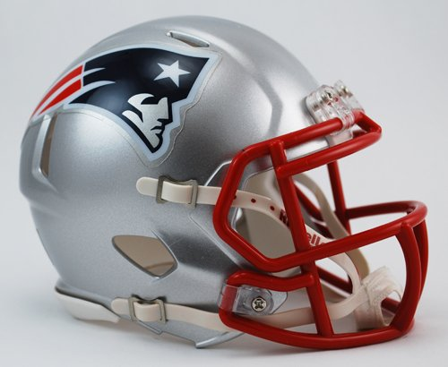Riddell Revolution Speed Mini Helmet - New England Patriots (Helmet Football Revolution Nfl)