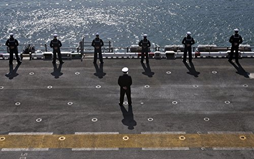 Posterazzi Sailors Man The Rails on The Amphibious Assault Ship USS Essex Poster Print, (35 x 22)