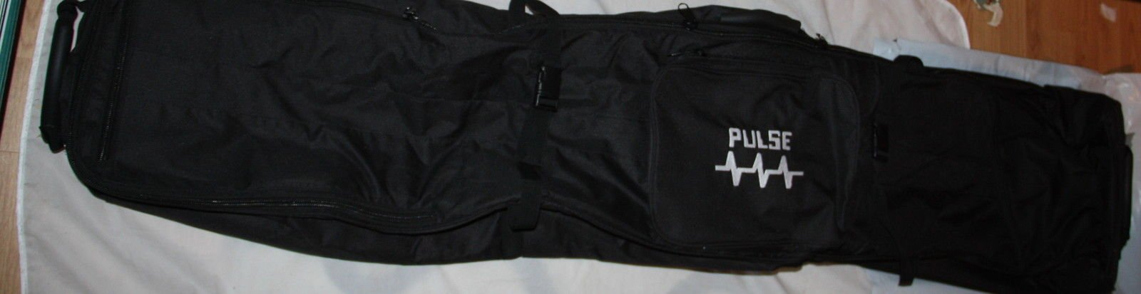 Snowboard bag Wheelie padded Pulse travel bag wheels quality high retail NEW Padded snowboard wheelie bag NEW