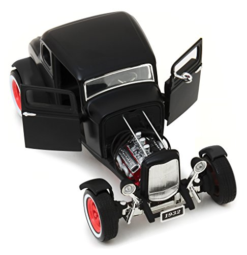 1932 Ford Custom Hot Rod Matt Black 1/18 Diecast Car Model by Greenlight 12975