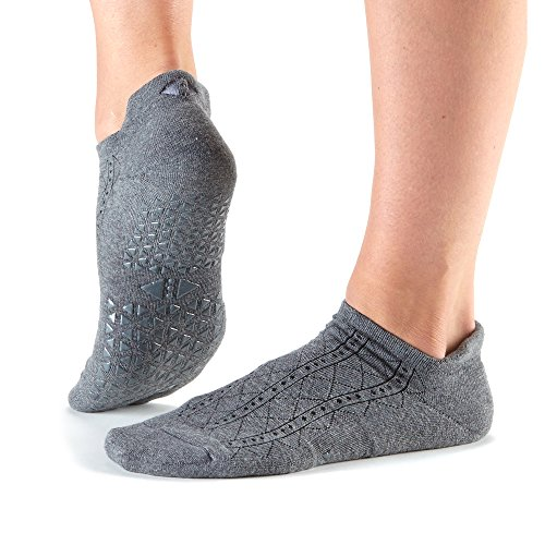 Price comparison product image Tavi Noir Savvy Low Rise Fashion Sock Non-Slip Grip Socks for Barre, Pilates, Studio, and Yoga (Tavi Fog) Medium