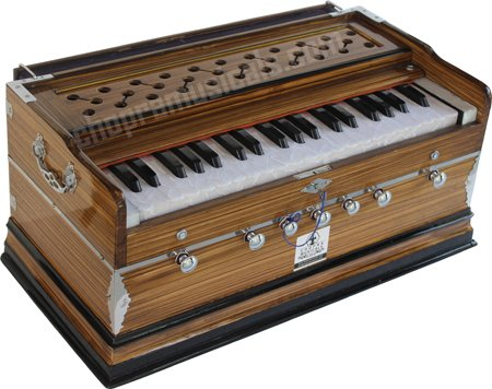 PROFESSIONAL HARMONIUM 7 STOPS (4 Main & 3 Drone), 3¼ OCTAVES, 39 KEYS 7 FOLD BELLOW, COUPLER FUNCTION, BASS/MALE,TUNED=A440 Hz with Padded Cover a Chopra Musicals Make 3¼ OCTAVES 2525