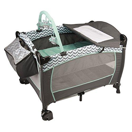 Evenflo Portable BabySuite Deluxe in Spearmint Spree