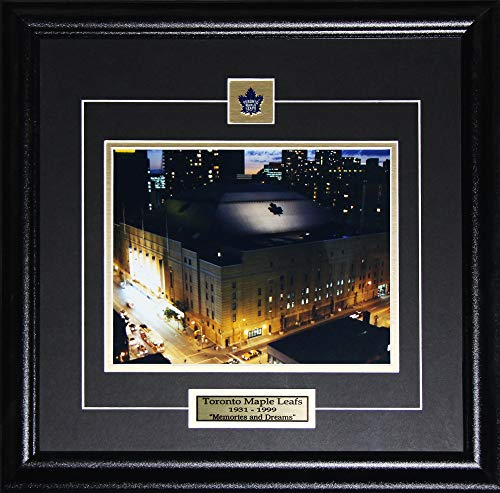 (Midway Memorabilia Toronto Maple Leaf Gardens at Night Memories and Dreams 8x10 Collector Frame)