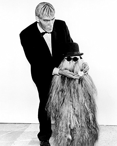 The Addams Family (1964) Ted Cassidyas Lurch With Cousin It 16X20 Canvas Giclee