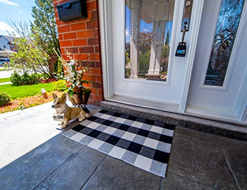 Yxonz The Original Outdoor Porch Rug - Checkered Door Mat for Layering with Welcome Mat - Buffalo Check Door Mat Outdoor Rugs - Buffalo Plaid Door Mat - Black and White Door Mat - Farmhouse Rug