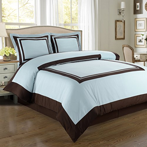 Deluxe Deluxe Reversible Hotel Duvet Cover Set, 100% Cotton 300 Thread Count Bedding, woven with superior single-ply yarn. 3 piece Full / Queen Size Duvet Cover Set, Blue and Chocolate