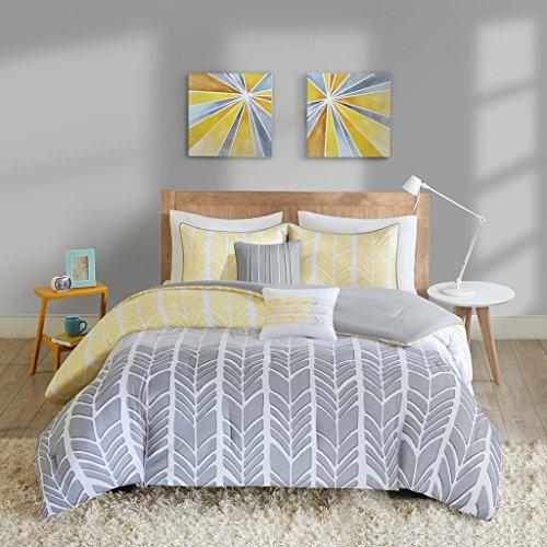 Intelligent Design Adel Comforter Set Twin/Twin XL Size - Yellow, Light Grey, Grey, Geometric Chevron – 4 Piece Bed Sets – Ultra Soft Microfiber Teen Bedding for Girls Bedroom