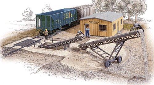 Walthers Cornerstone Series Kit HO Scale Bulk Transfer Conveyor - Transfer Conveyor