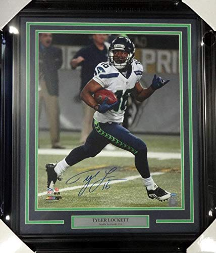 Autographed Tyler Lockett Photo - Framed 16x20 MCS Holo Stock #99720 - Autographed NFL ()
