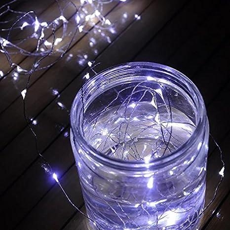 Timewanderer 5M/16.4Ft 50 LEDs Cadena de Luces Impermeable Flexible de Alambre de Plata con Caja de Batería AA Navidad y Decoración Fiesta (Blanco Frío) [Clase de eficiencia energética A+++]