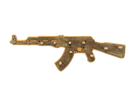 Amazon.com: YOURNELO AK-47 - Perchero decorativo de madera ...