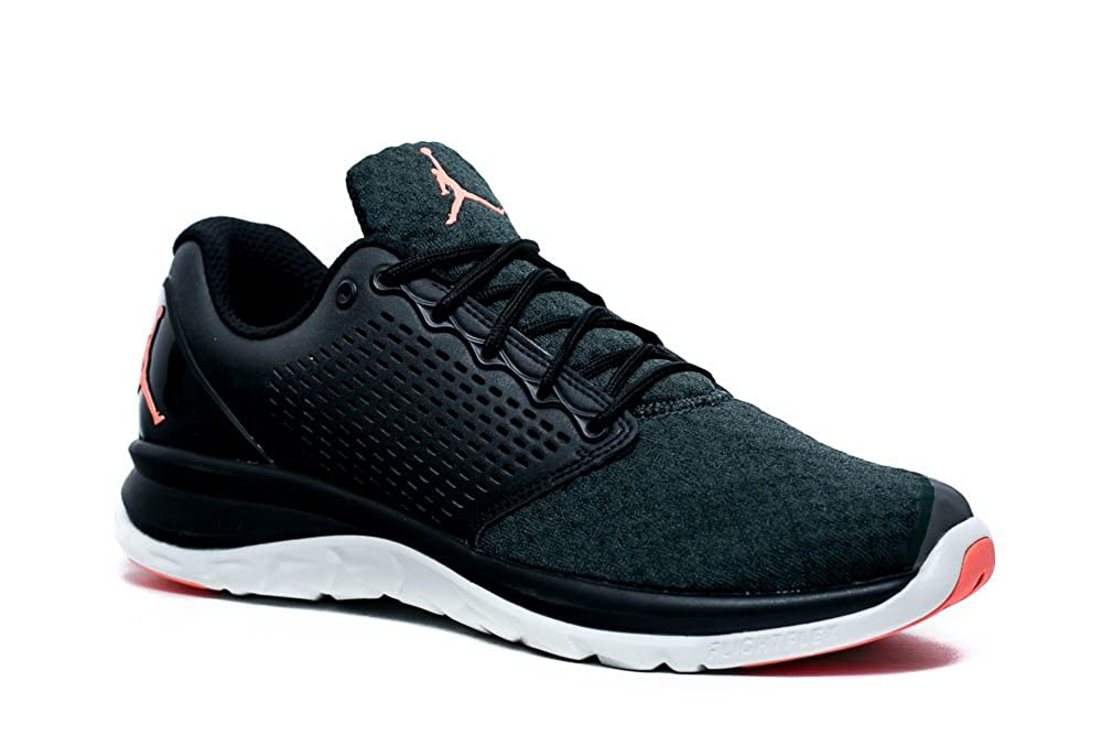 huge discount b73a9 5664f Amazon.com   Jordan Trainer St. Winter Men s Cross Trainers 854562 012  (12.5)   Fitness   Cross-Training