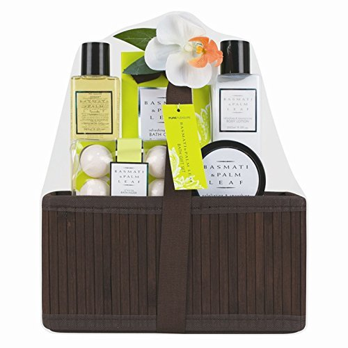InveroÃ'Â 5 Piece Ladies Basmati and Palm Leaf Bath Hamper Gift Set - Presented in Luxurious Wooden Basket with Ribbon ideal Present for Loved Ones, Family or Friends by InveroÃ'Â