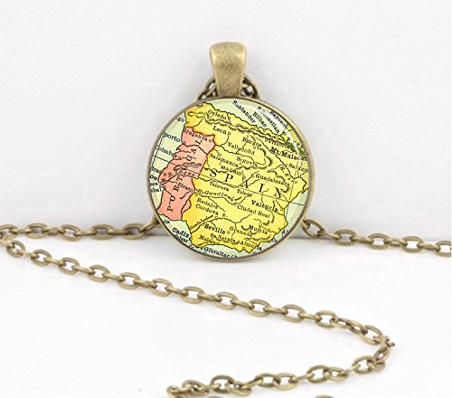 spain-map-portugal-iberia-espana-jewelry-vintage-map-pendant-necklace-key-ring-travel-gift-jewelry